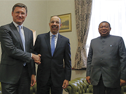 (l-r) HE Alexander Novak, Russia's Minister of Energy; HE Khalid A. Al-Falih, Saudi Arabia's Minister of Energy, Industry and Mineral Resources, and President of the OPEC Conference; and HE Mohammad Sanusi Barkindo, OPEC Secretary General
