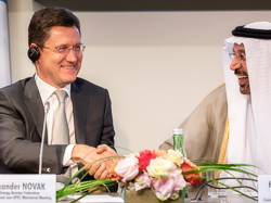 HE Alexander Novak, Russia's Minister of Energy (l), and HE Khalid A. Al-Falih, Saudi Arabia's Minister of Energy, Industry and Mineral Resources, and President of the OPEC Conference