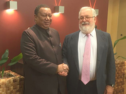 Mr. Miguel Arias Cañete, EU Commissioner for Climate Action and Energy (r); and HE Mohammad Sanusi Barkindo, OPEC Secretary General