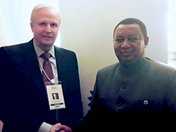 Mr. Bob Dudley, CEO, BP (l) with OPEC Secretary General