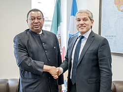 HE Aldo Flores-Quiroga, Mexico's Deputy Secretary of Energy for Hydrocarbons (r) with HE Mohammad Sanusi Barkindo, OPEC Secretary General