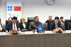HE Mohammad Sanusi Barkindo, OPEC Secretary General (c), HE Dr. Sun Xiansheng, IEF Secretary General (r), and Dr. Ayed S. Al-Qahtani, Director of OPEC's Research Division