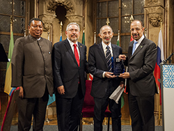 OPEC honoured HE Dr. Alirio Parra (seond r), for his distinguished career and life achievements
