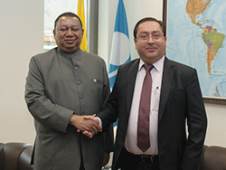 HE Carlos de la Torre, Ecuador's Minister of Finance (r) with HE Mohammad Sanusi Barkindo, OPEC Secretary General