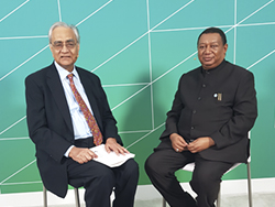 HE Mohammad Sanusi Barkindo, OPEC Secretary General (r); with Mr. Bhushan Bahree, Senior Director of Energy, IHS Markit