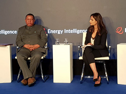 HE Barkindo, OPEC Secretary General (l), with the session moderator Ms. Amena Bakr, Senior Energy Correspondent, Energy Intelligence, at the 40th edition of the Oil & Money Conference in London