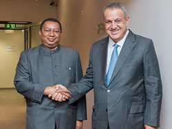 HE Eng. Eulogio Del Pino, People's Minister of Petroleum of Venezuela (r), with HE Mohammad Sanusi Barkindo, OPEC Secretary General