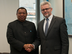 Dr. Urban Rusnák, Secretary General of the Energy Charter (r), with HE Mohammad Sanusi Barkindo, OPEC Secretary General