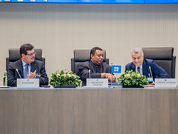 HE Barkindo, OPEC Secretary General (c) with HE Natig Aliyev, Azerbaijan's Minister of Energy and Chairman of the OPEC and non-OPEC Meeting (r) and Eng. Mohamed Hamel, Chairman of the Board of Governors