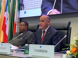 HE Manuel Salvador Quevedo Fernandez, Venezuela's People's Minister of Petroleum and President of the OPEC Conference 2019 (r) and HE Mohammad Sanusi Barkindo, OPEC Secretary General