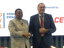 HE Mohammad Sanusi Barkindo, OPEC Secretary General (l); and Mr. Iñigo Diaz de Espada, Chairman of the Spanish Committee of the World Energy Council