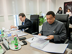 Eng. Mohamed Hamel, Chairman of the Board of Governors (l) and HE Mohammad Sanusi Barkindo, OPEC Secretary General