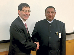 Dr. Maurice Obstfeld, IMF's Economic Counsellor and Director of Research (l) and HE Barkindo, OPEC Secretary General