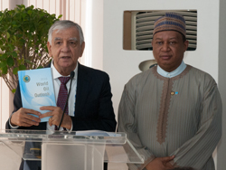 HE Al-Luiebi, Iraq's Oil Minister (l) with HE Barkindo, OPEC Secretary General at the launch of the WOO 2016